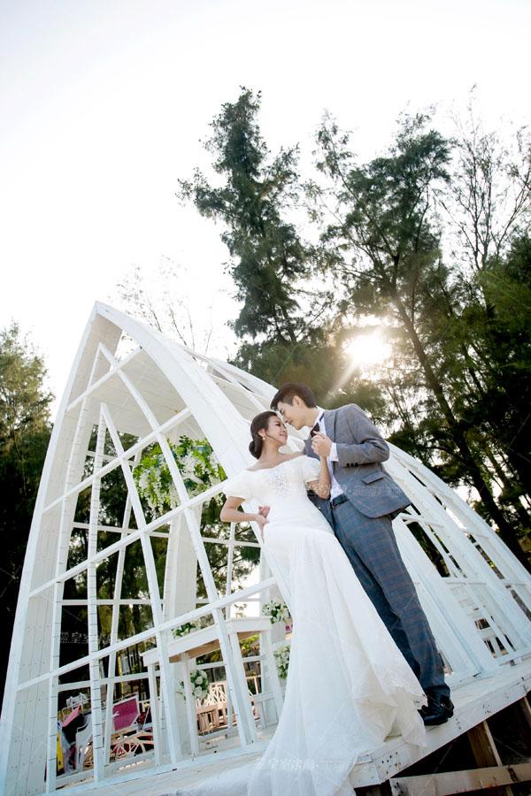 婚礼白色欧式木屋
